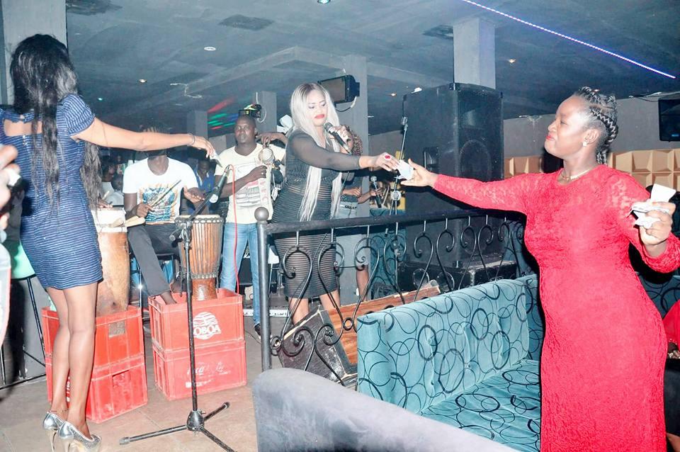Photos: Une soirée qui déchire avec GuiGui aux Almadies