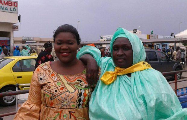 (04 Photos) Ndèye Fatou Ndiaye Mbacké accompagne sa « goro » en partance pour la Mecque