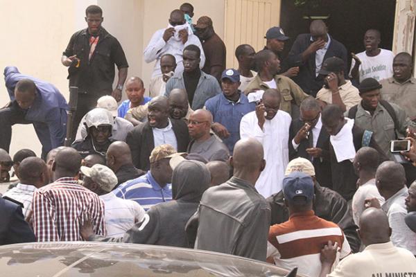 Politique: 5 (cinq)  proches de Bamba Fall convoqués ce jeudi à la Dic suite au saccage de la maison du parti