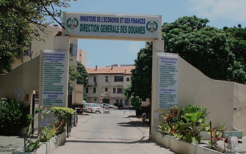 Douanes : Deux inspecteurs traduits en Conseil de discipline pour faute lourde