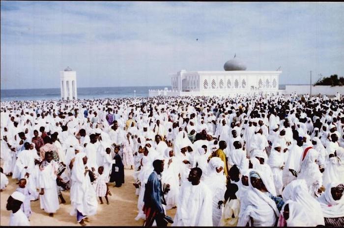 Prière Tabaski : Le Khalif des Layènes ordonne aux fidèles de porter du blanc, les femmes de ne pas s'embellir de parures