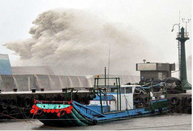 Taïwan frappé par le typhon le plus puissant en 21 ans