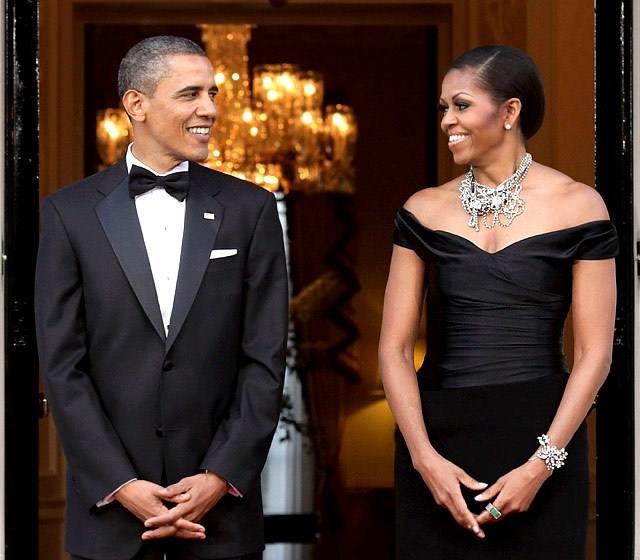 Photo : Barack Obama et Michelle Obama se regardent en amoureux...