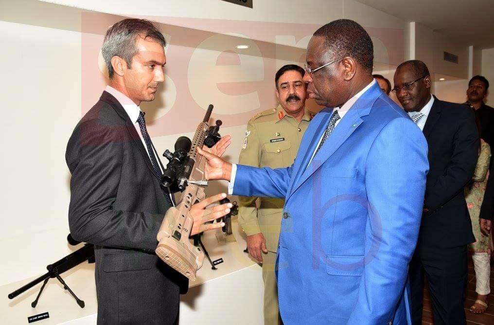 Général Mansour Seck décrypte l'image du Président Macky Sall tenant une arme au Pakistan