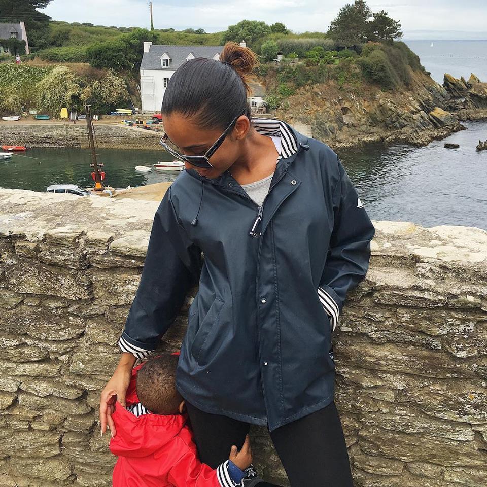 08 Photos - Léa Soukeyna Ndiaye de la Tfm en vacances