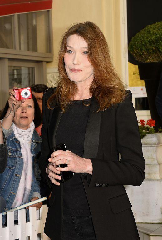 Carla Bruni, l'ex première dame obsédée par l'argent ?