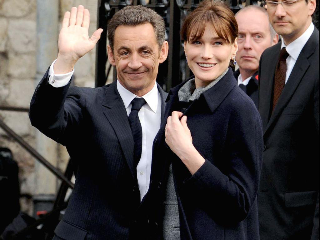 Nicolas Sarkozy, le «Monde s'effondre» sur la route de la Présidentielle 2017