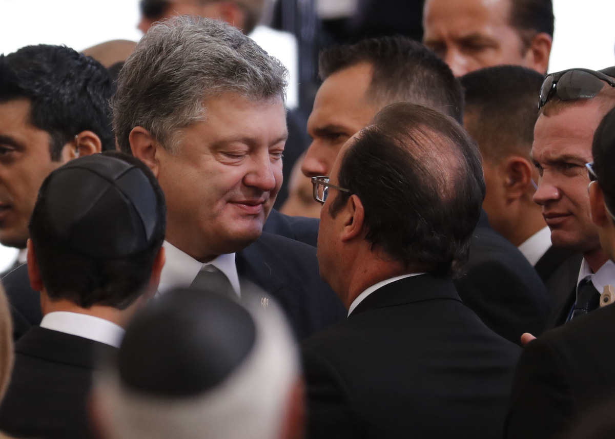 François Hollande et le président ukrainien Petro Porochenko