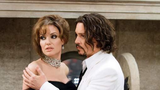 """Angelina Jolie se console avec Johnny Depp"""
