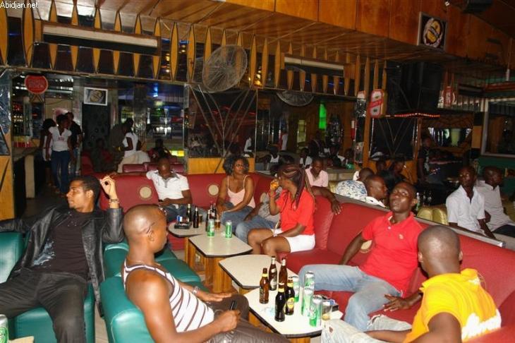 Des bars à presque chaque coin de rue : quand Grand-Yoff se noie dans l'alcool