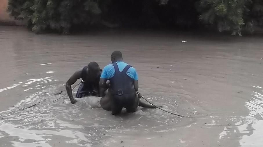 Drame à Tamba : Un camion malien finit sa course dans le fleuve Gambie et fait deux morts
