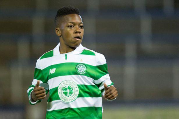 A 13 ans, il joue déjà avec les U20 du Celtic Glasgow