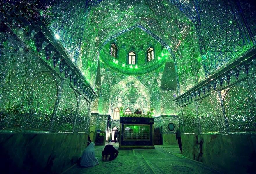 De l'extérieur, cette mosquée ressemble à toutes les autres mais à l'intérieur, son décor va vous éblouir !