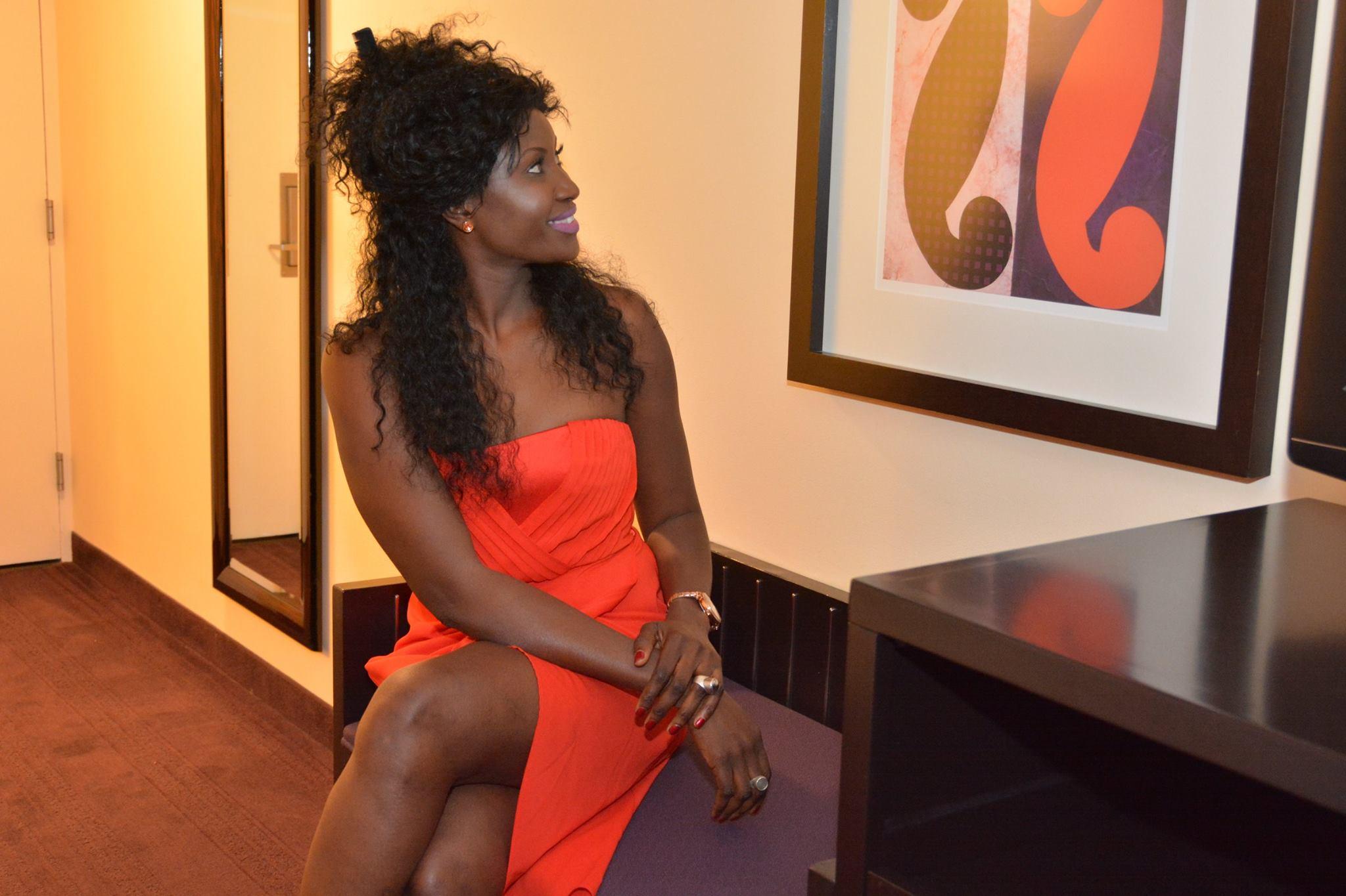 03 Photos - L'actrice Binta Goudiaby sublime et sexy