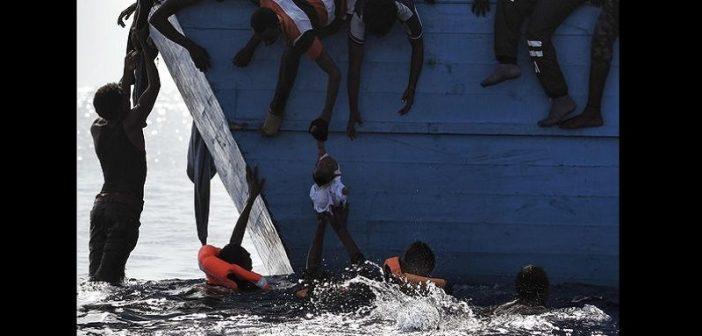 Images déchirantes de migrants dans une lutte désespérée pour survivre