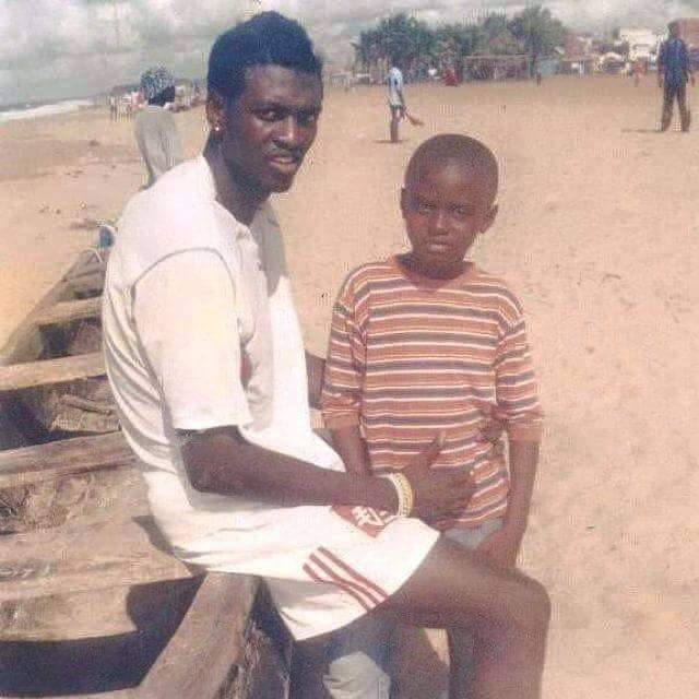 Emmanuel Adébayor au début de sa carrière.