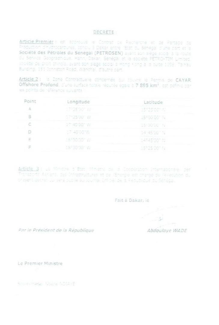 Le décret non numéroté signé par le Président Abdoulaye Wade et contresigné par Souleymane Ndéné Niaye, alors Premier ministre.