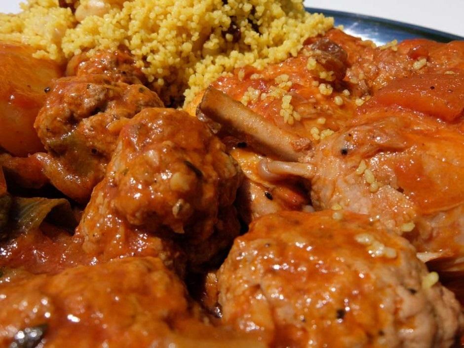 Au pays de la « teranga cette fête musulmane, au-delà de la prière, rime avec thiéré (couscous local).