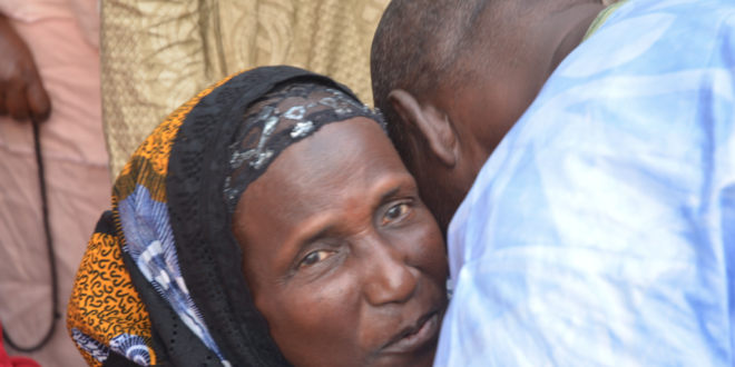 Photos : Youssou Ndour présente ses condoléances chez Dégueune Chimère au Point E
