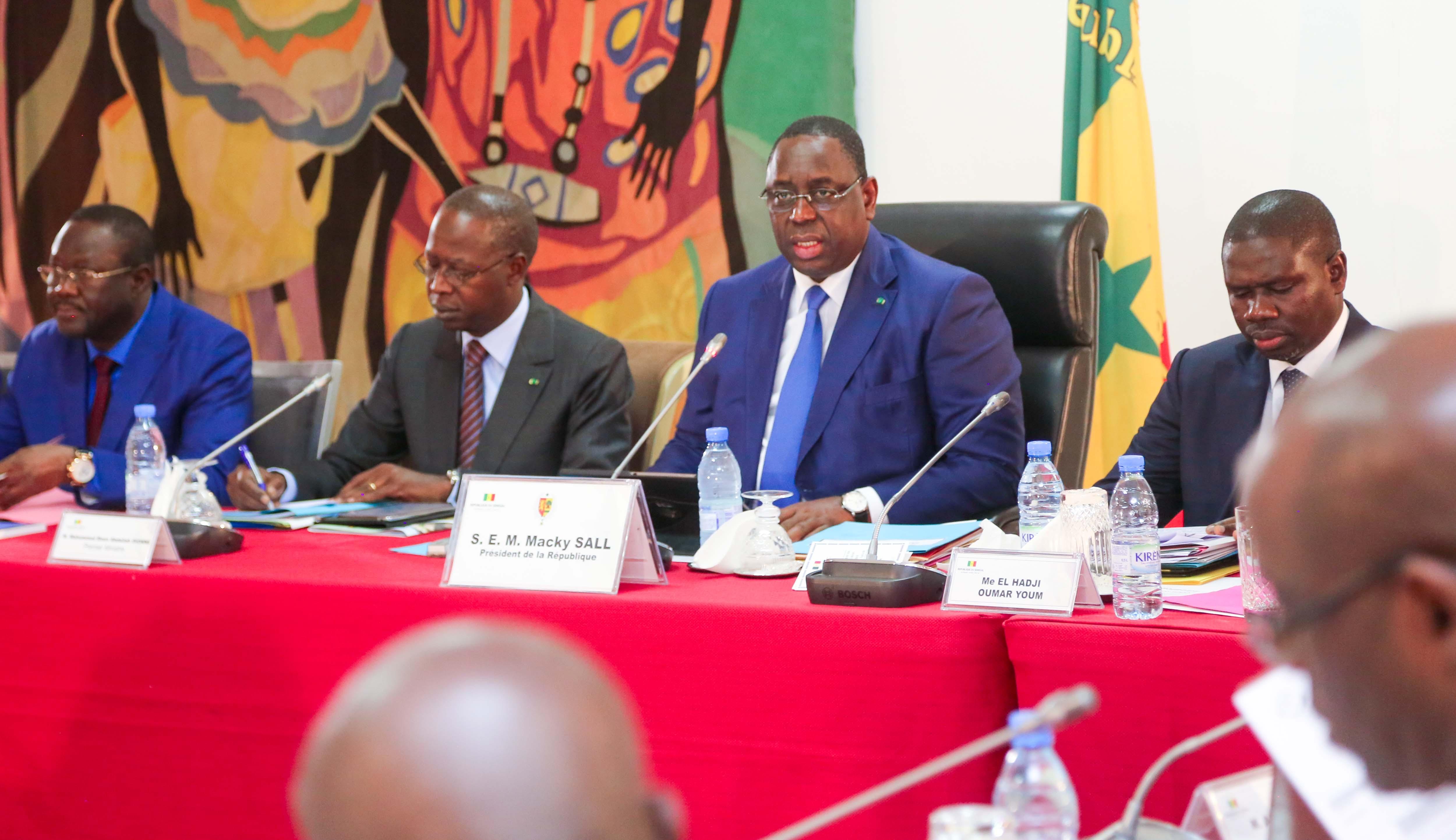 Macky Sall et le Gouvernement en Conseil de ministres.