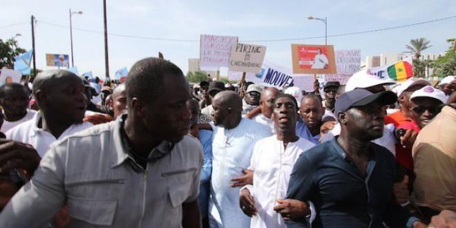 Retour sur la marche avortée de Manko Wattu Senegaal: Idy trébuche, Gackou et Déthié Fall finissent leur course au stade Demba Diop