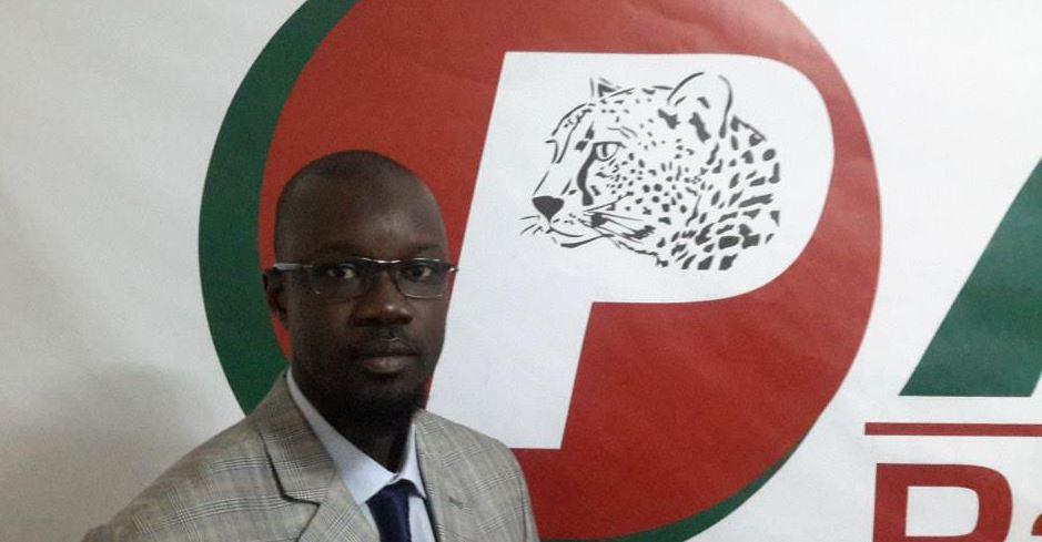 Me El Hadji a tenu à répliquer à Ousmane Sonko, le leader de Pasteef les Patriotes  qu'il a traité d'inspecteur imposteur.
