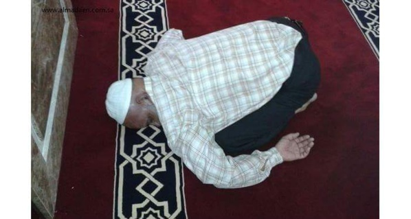 Alors que son retour est attendu par ses élèves, l'enseignant Babacar Thioune tombe en syncope et...meurt en pleine prière