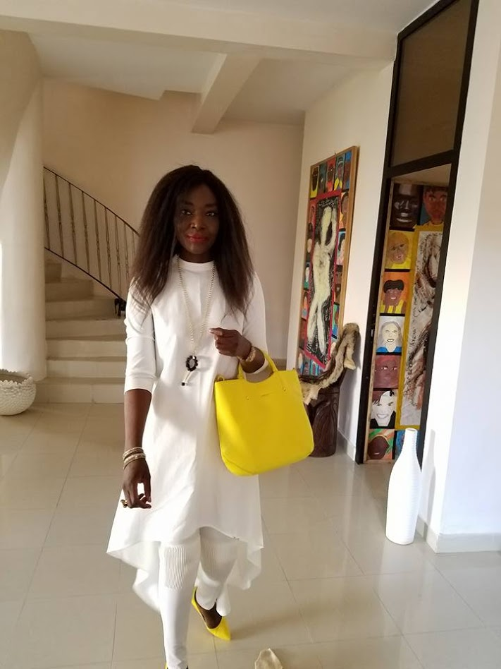 Photos : Coumba Gawlo en blanc et jaune dans toute sa splendeur