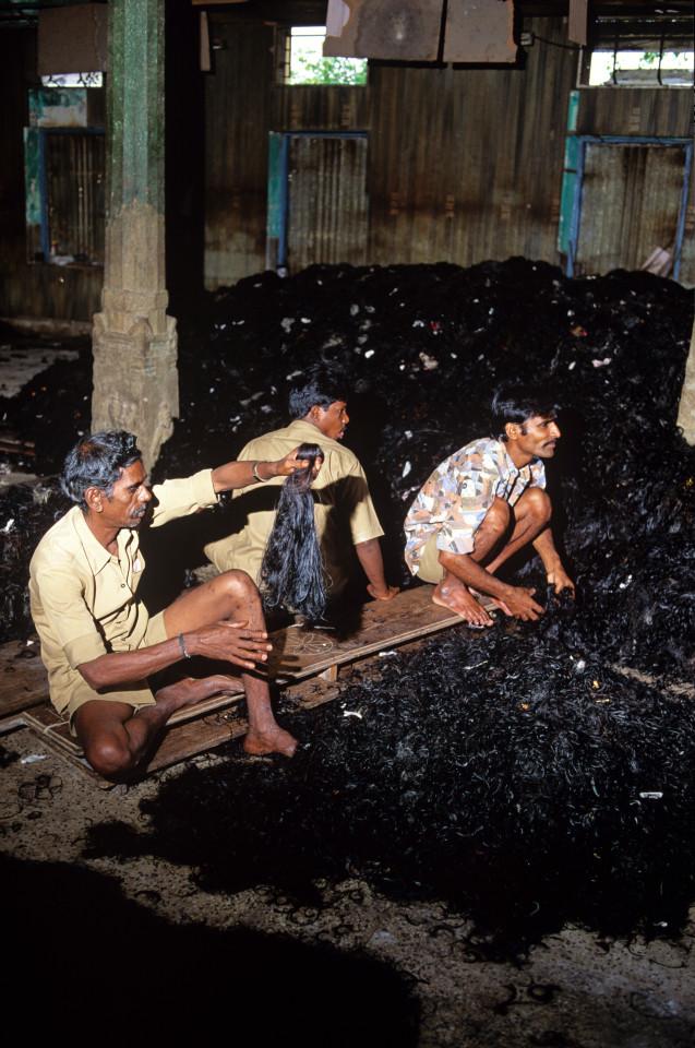 Cheveux naturels : Cette monstrueuse industrie qui exploite les pauvres femmes et enfants de l'Inde