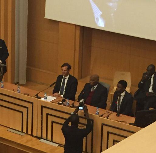 Le président Abdoulaye Wade à la conférence inaugurale à l'amphithéâtre Emile Boutmy: « Si nous voulons avoir une monnaie continentale, il faut que les pays les plus riches soient prêts à aider les plus pauvres »