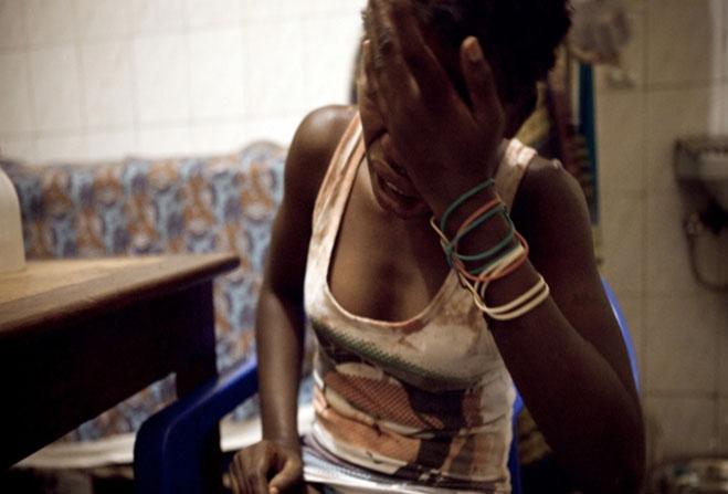 Elle raconte comment son amant européen l'a délibérément infectée du VIH