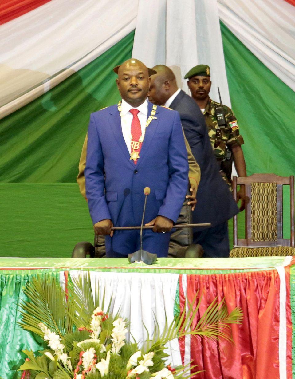 Le président burundais Pierre Nkurunziza lors de son accession au pouvoir, pour un troisième mandat d'affilée, à Bujumbura le 20 août.