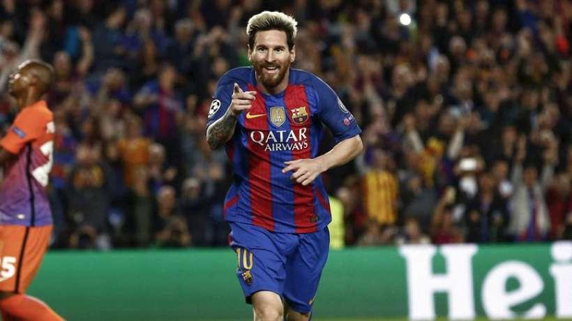 Lionel Messi, attaquant argentin du FC Barcelone, après son triplé face à Manchester City lors de la troisième journée de la Ligue des Champions, le 19 octobre au Camp Nou.LLUIS GENE / AFP