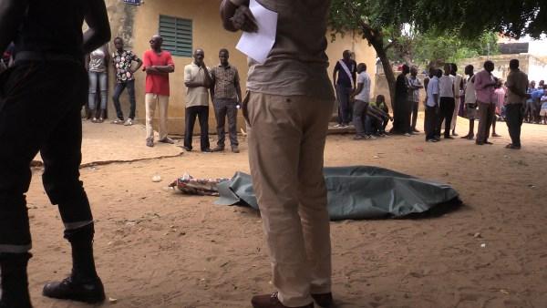 Meurtre à Yeumbeul : Le fils de l'Imam mortellement poignardé pour une banale histoire de cacahuètes