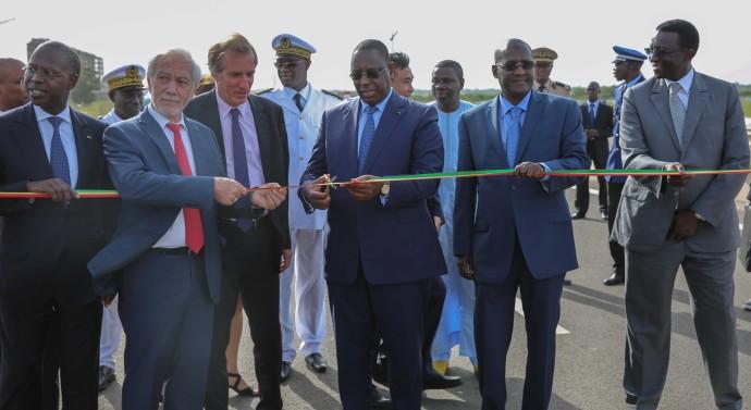 """Macky minimise Senghor, Diouf et Wade : """" De l'indépendance à 2012, soit 52 ans, le réseau autoroutier du Sénégal était de 35 km. Nous en avons ajouté 36 en 4 ans… »"""