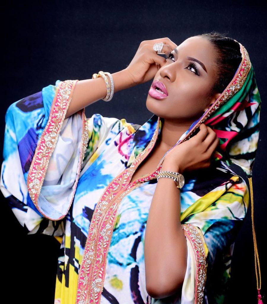 Nollywood et ses belles actrices : Chika Ike, appréciez la sensualité africaine