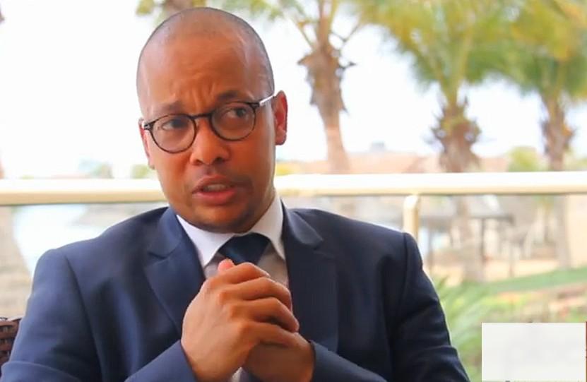 ''Certains membres du gouvernement sont inaudibles'', a déploré l'ancien conseiller en communication du chef de l'Etat, Macky Sall, sans plus de détail sur les ministres concernés.