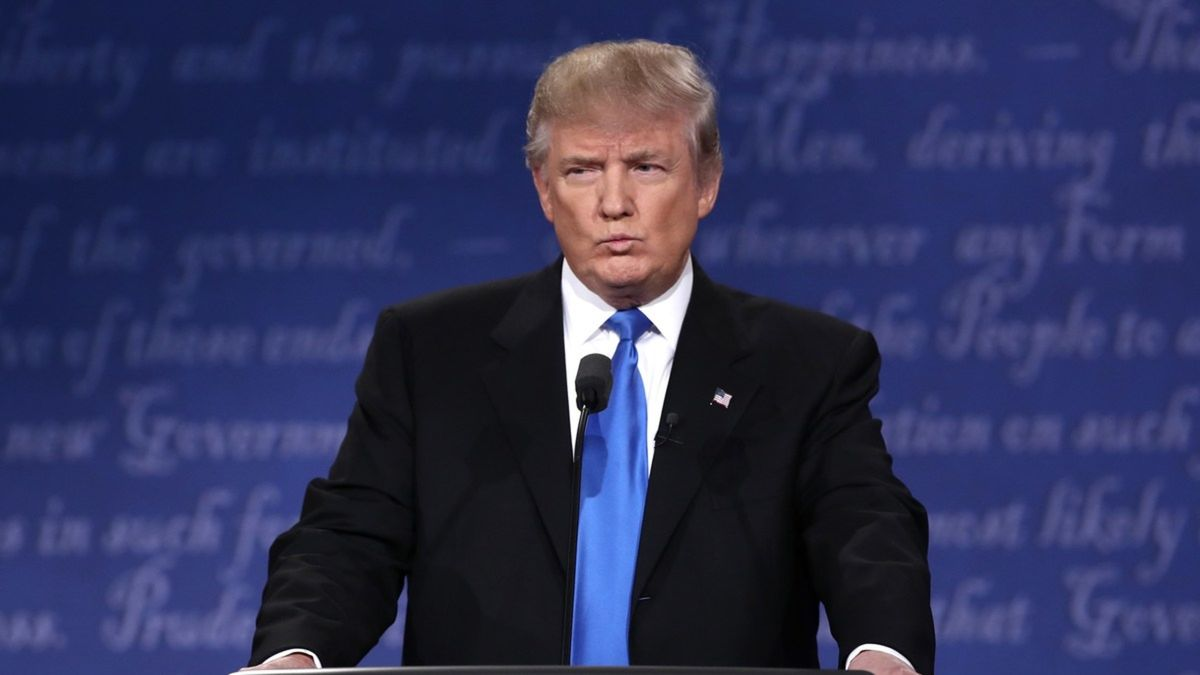 """Présidentielle américaine : Trump prédit une """"crise constitutionnelle"""" si Clinton est élue"""