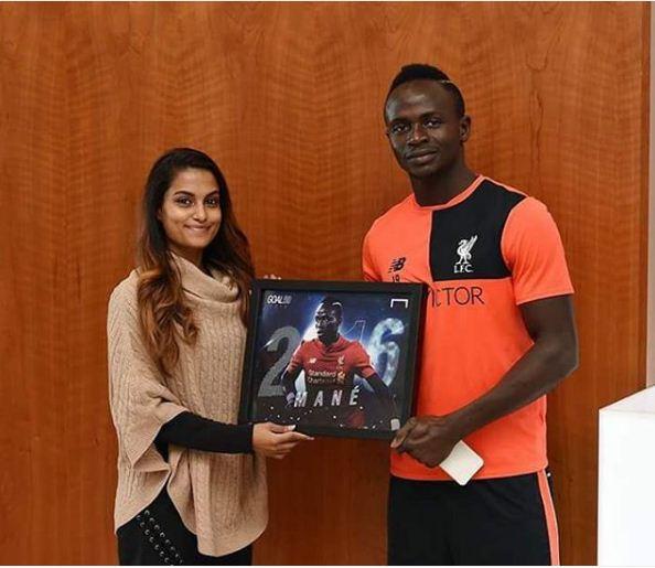 Sadio Mané et son nouveau trophée!!