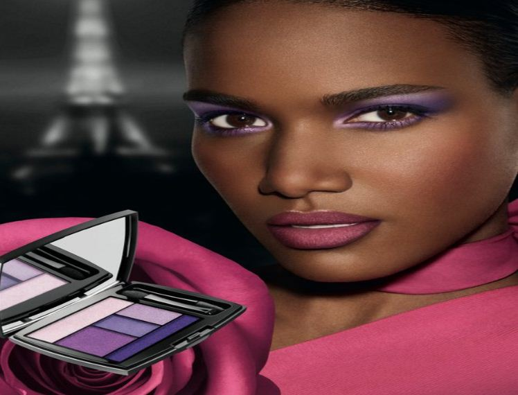 maquillage violet pour les yeux peau noire et m tisse. Black Bedroom Furniture Sets. Home Design Ideas