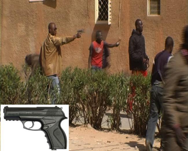 Barthélémy Dias, lors des événements de décembre 2011 qui avaient coûté la vie à Ndiaga Diouf, devant la mairie de Mermoz Sacré Coeur.