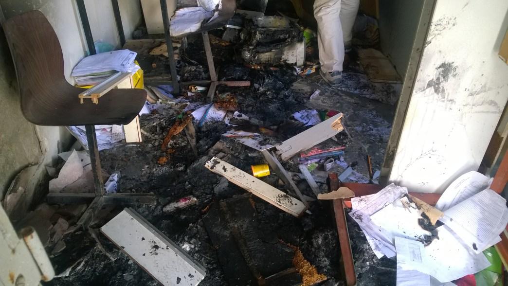 Urgent- Emeutes à Saint louis: Les manifestants  brûlent le poste de la gendarmerie de Guet-ndar