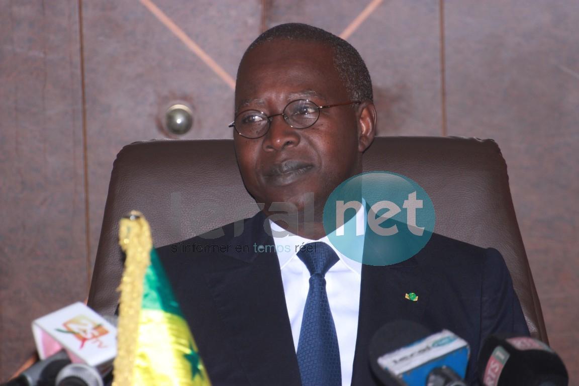 Mohammed Boun Abdallah Dionne (Premier ministre) « l'industrie est un moteur privilégie d'accélération de la croissance et de la création d'emploi »