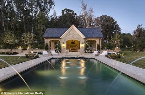 36 Photos : La maison paradisique de Kanye West et  Kim Kardashian, regardez