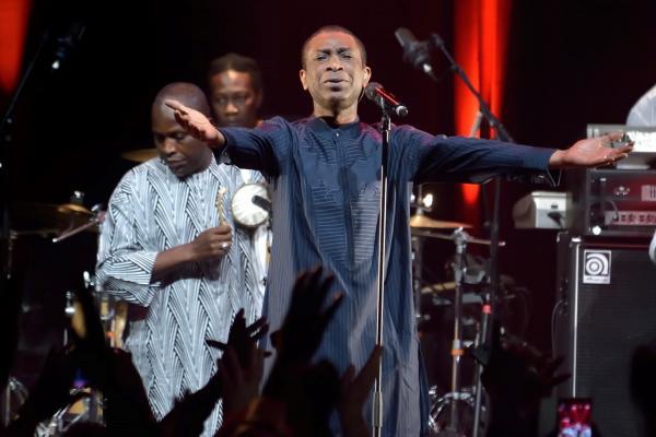 Diaporama : Youssou Ndour impressionnant au Bataclan, regardez