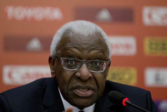 Mis en examen pour corruption présumée à l'IAAF: La caution de Lamine Diack versée par un collectif d'amis