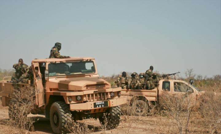 Élections municipales au Mali : cinq militaires tués dans une embuscade