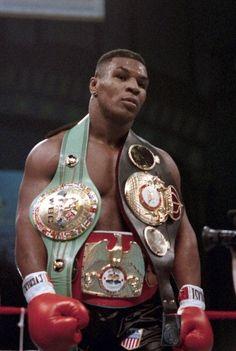 Mike Tyson, jeune champion du monde de boxe