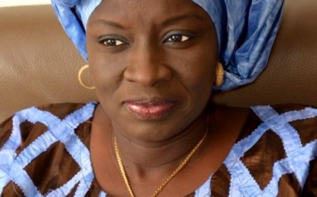 Aminata Touré vote contre la peine de mort.