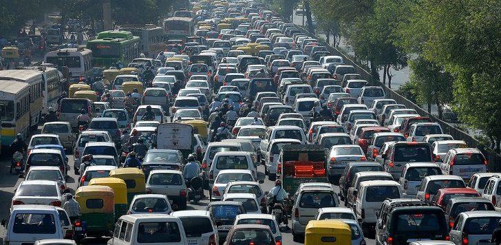 Embouteillage inédit sur l'axe Dakar-Thiès : la réhabilitation d'un tronçon de moins 100m bloque tout ; des corbillards rebroussent chemin, les usagers râlent à-tout-va